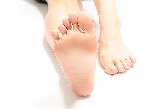 足底腱膜炎について(鶴見区 ゼロスポ・ゆうき鍼灸整骨院)